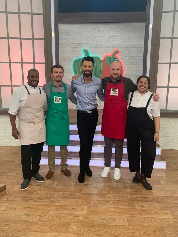 Rylan and Guide Dogs owner Alex with cast of Ready Steady Cook